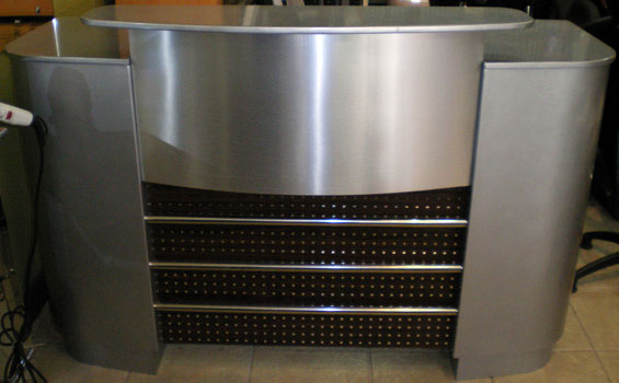 R10 - Reception Desk Front